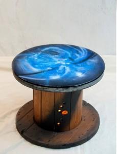 Petite table de nuit avec lumière intégrée...